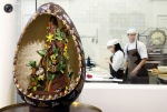 Chocolate Easter Egg, made in Antwerp, Belgium. (© Thierry Roge  Reuters)
