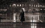 WOMAN WALKING - David Plata