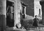 Μετσοβο, 1913 (Προσωπικά, θεωρώ αυτή την φωτογραφία την καλύτερη απ' όλες! Προσέξτε το χαμόγελο και το νάζι του μικρού κοριτσιού)