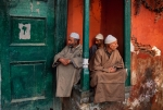Three Men in a Niche, Kashmir, 1998, Phaidon, Iconic Images, final book_iconic