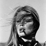 brigitte-bardot_SMOKING