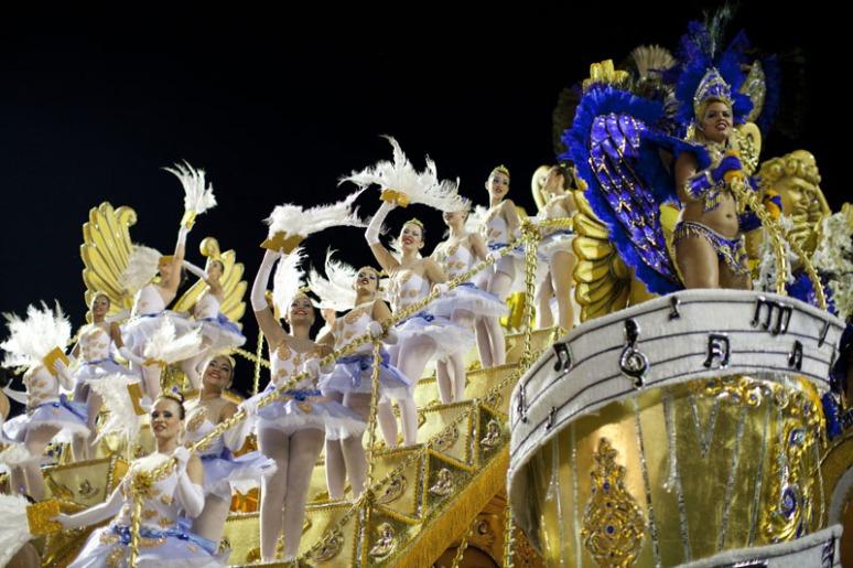 SAO PAULO'S CARNIVAL STARTS