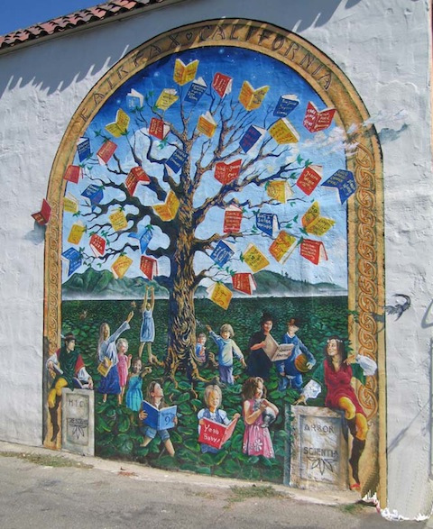 Book tree mural in Faifax, California