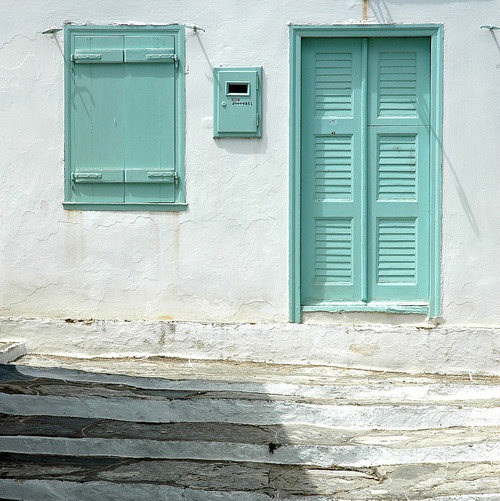 Nap time in Syfnos Greece (by DIDS')
