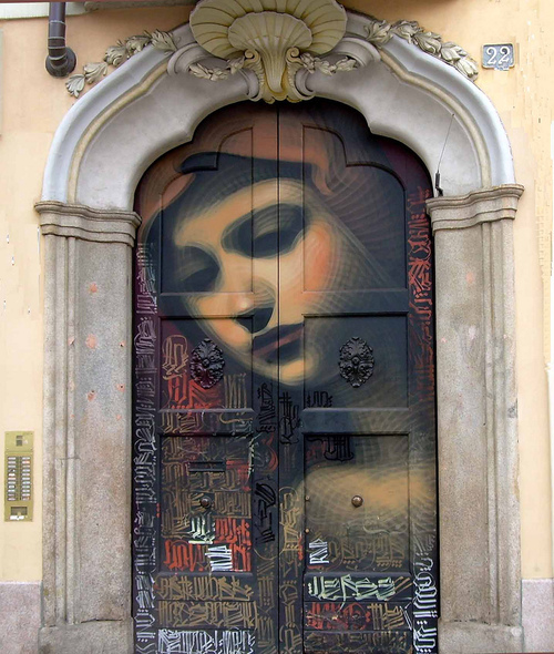 Street art in Milan Italy (by cannuccia)