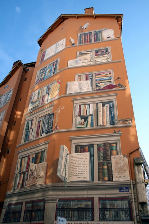 The exterior of La Bibliotèque De La Cité in Lyon, France 1