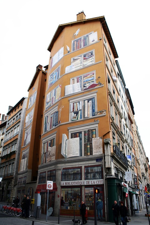 The exterior of La Bibliotèque De La Cité in Lyon, France