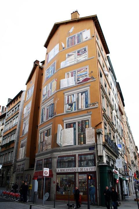 The exterior of La Bibliotèque De La Cité in Lyon, France